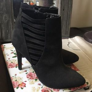Shoes - Kelly and Katie black booties